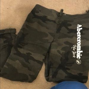 Abercrombie & Fitch small joggers